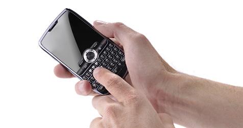 27-jährige Britin stellt neuen Rekord im SMS-Tippen auf (Bild: © 2010 Photos.com, a division of Getty Images)