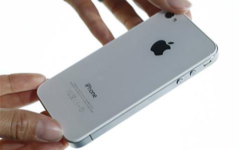 Bis zu neun Wochen Wartezeit für Apples iPhone 4