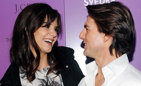 Tom Cruise lässt es für seine Katie Rosen regnen