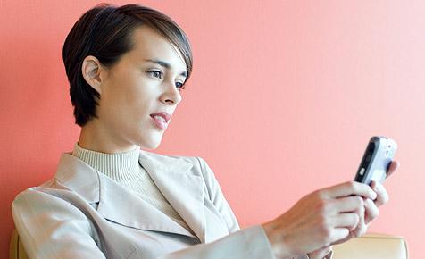 AK warnt: Mobiles Websurfen kann sehr teuer werden (Bild: © 2010 Photos.com, a division of Getty Images)