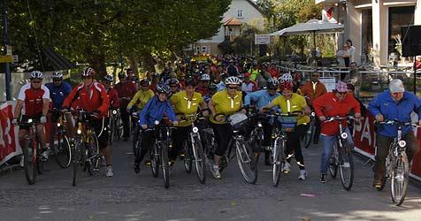 5.500 gut gelaunte Pedalritter kamen zum OÖ-Radtag (Bild: Chris Koller)