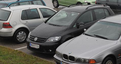 """Parkplätze auf Areal der HTL-Mödling statt """"Grüne Zone""""? (Bild: Christian Koller)"""