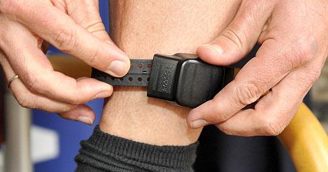 Elektronische Fußfessel bisher ein voller Erfolg (Bild: APA/HERBERT NEUBAUER)