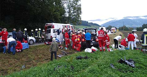 Acht Verletzte bei Crash nach Fußballspiel (Bild: FF Ternberg)