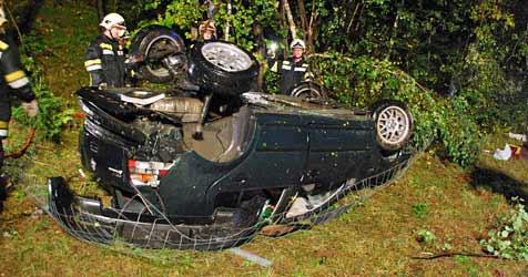 Ein Toter und ein Verletzter bei Crash auf der A2 (Bild: Einsatzdoku.at)