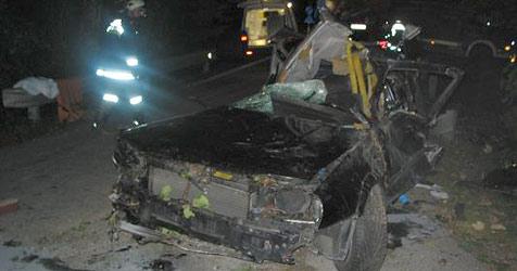 19-Jähriger stirbt bei Crash in Altmünster (Bild: FF Altmünster)