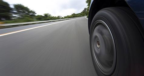 Niederösterreicher auf der A2 mit 216 km/h unterwegs (Bild: © 2010 Photos.com, a division of Getty Images)