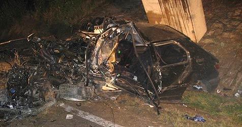 Schüler überlebt schrecklichen Crash in Perg (Bild: FF Perg)
