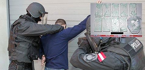 Drogenhändler nach Cobra-Zugriff bei Imbisslokal gefasst (Bild: Andi Schiel/ Polizei)