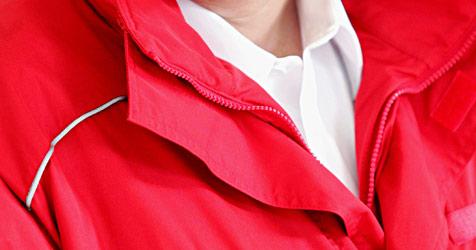 Trickdiebe tarnten sich als Rot-Kreuz-Sanitäter (Bild: APA/OESTERREICHISCHES ROTES KREUZ KREUZ)
