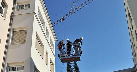 Kranführer stürzt aus zehn Metern in den Tod (Bild: Horst Einöder)