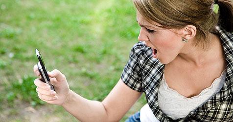 SMS bringt ehrlichere Antwort als ein Anruf (Bild: © 2010 Photos.com, a division of Getty Images)