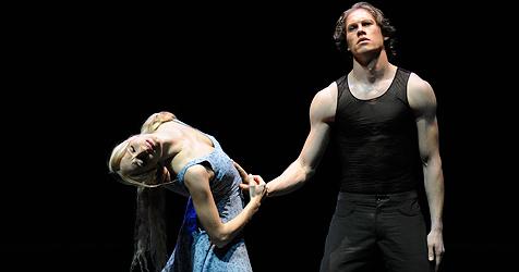 Nackte Ballerina Karina Sarkissova darf weiter tanzen