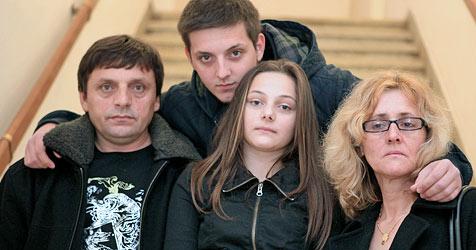 Familie droht nach acht Jahren die Abschiebung (Bild: APA/RUBRA)