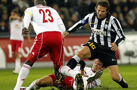 Salzburg ringt Juve in der Europa League ein 1:1 ab (Bild: APA/KRUGFOTO)