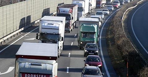 """Schwerverkehr: """"Landeszahlen sind fern jeder Realität"""" (Bild: christof birbaumer)"""