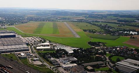 Stadt Wels darf Flugplatz nicht allein umwidmen (Bild: Privat)