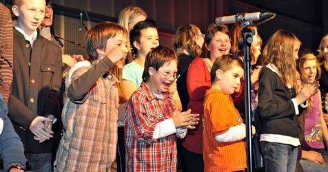 Riesenandrang zu Benefiz-Konzert für Mauterndorf-Schule (Bild: Roland Holitzky)