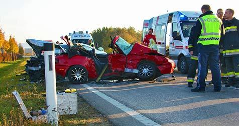 Drei Menschen bei Unfall in Tulln schwer verletzt (Bild: Matthias Fischer)