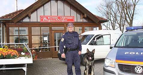 Blumenmarkt-Räuber sperrte Opfer in Kühlraum (Bild: Hörmandinger)