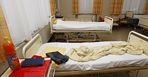 """Spitalsreform: """"Das bedeutet Tod auf Warteliste"""" (Bild: APA/HERBERT PFARRHOFER)"""