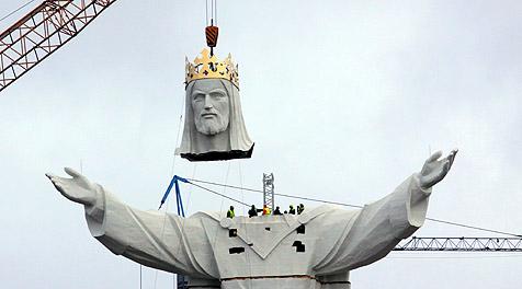 Weltgrößte Jesus-Statue in Polen fertiggestellt