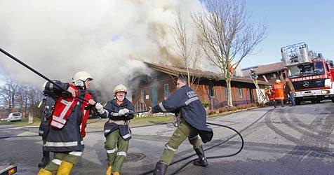 Tierarztpraxis in Elixhausen wurde Raub der Flammen (Bild: Markus Tschepp)