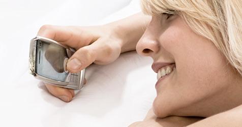 SMS-Vielschreiber haben häufiger Sex und trinken mehr (Bild: © 2010 Photos.com, a division of Getty Images)
