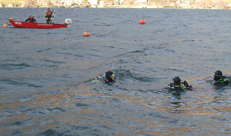 18-Jähriger leblos im Ossiacher See entdeckt (Bild: Hauptfeuerwache Villach)