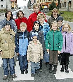 Familien kämpfen für ihre Kinder um sicheren Schutzweg (Bild: Markus Tschepp)