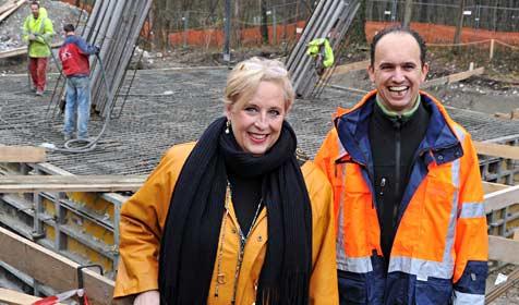 Fundament für neuen Salzachsteg ist bald fertig (Bild: Wolfgang Weber)