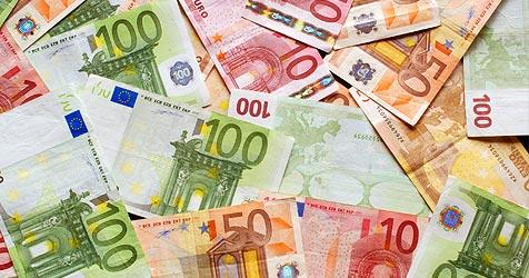 Gebühren-Last für Kanal macht Pensionisten Angst (Bild: © 2010 Photos.com, a division of Getty Images)