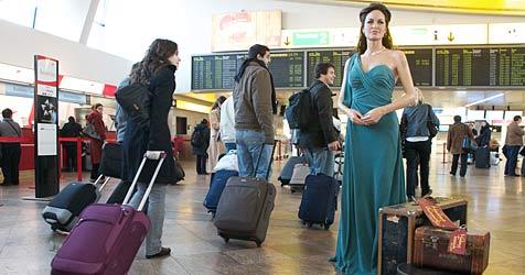 US-Star Angelina Jolie am Flughafen Wien gelandet (Bild: Claudia Henzler - henzlerworks.com)