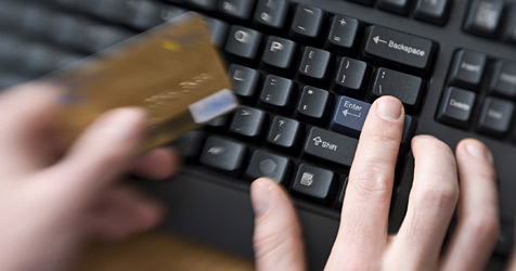 Internet-Bestellbetrüger prellen zehn Firmen (Bild: © 2010 Photos.com, a division of Getty Images)