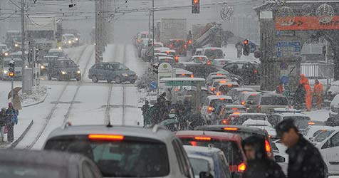 Mann im Schnee erfroren, Chaos auf unseren Straßen (Bild: Koller)