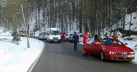 Zwei Verletzte bei Pkw-Frontalcrash in Pottenstein (Bild: ÖAMTC)