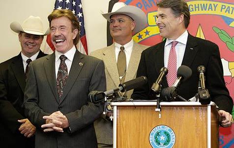 Chuck Norris ist nun ein echter Texas Ranger