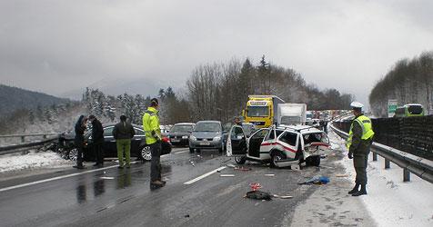 Offiziere als Helfer bei Unfall in zweiten Crash verwickelt (Bild: Militärkommando Salzburg)