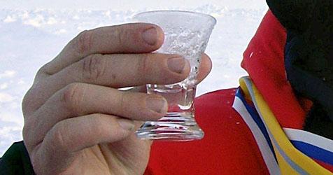 Waldviertler Bauer schickt Wodka an Wladimir Putin (Bild: EPA)