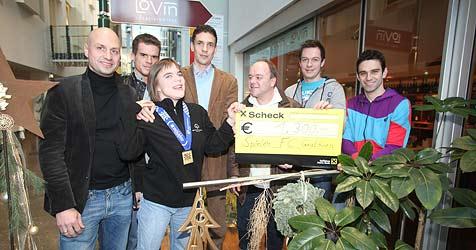 Fußballer und Stadt Graz unterstützen Olympiasiegerin (Bild: Jürgen Radspieler)