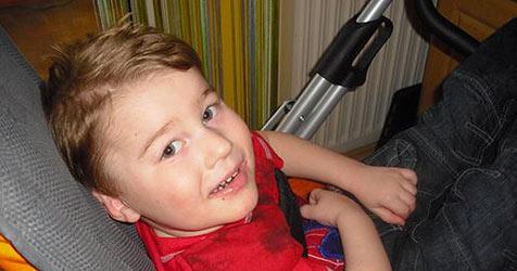 Christkind bringt Bub (3) spezielles Krankenbett (Bild: Privat)