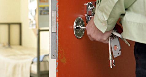 Von Abschiebung bedrohter Guineer aus Haft entlassen (Bild: dpa/A3796 Uwe Anspach)