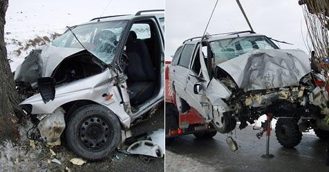Pkw-Lenker stirbt bei Unfall im Waldviertel (Bild: Einsatzdoku.at)