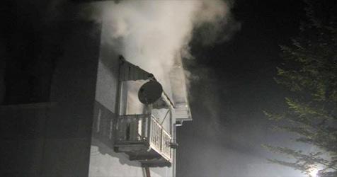Wohnung stand in Flammen - drei Katzen verendet (Bild: FF Bad Hall)
