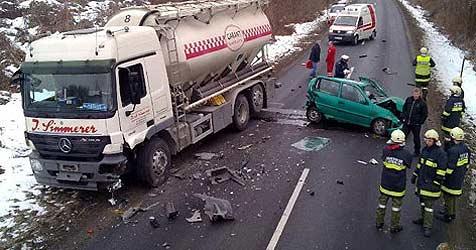 Lkw-Unfälle legten den Verkehr in OÖ lahm (Bild: FF Hartkirchen)