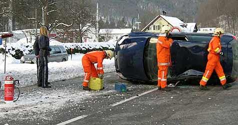 """OÖ war am Freitag ein einziger """"Eislaufplatz"""" (Bild: FF Bad Goisern)"""