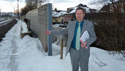 Lärmschutzwand in Seekirchen hat eine 25-Meter-Lücke (Bild: Wolfgang Weber)