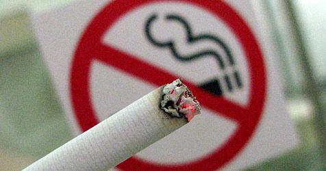 ÖBB wollten von 16-Jähriger 76 Euro für Rauch-Vergehen (Bild: dpa/Stephan Jansen)