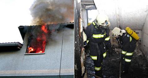 Zwei Verletzte bei Wohnhaus-Brand nahe Amstetten (Bild: BFK Amstetten)