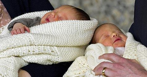 Stolz zeigen Mary und Frederik ihren Nachwuchs (Bild: EPA/KELD NAVNTOFT)